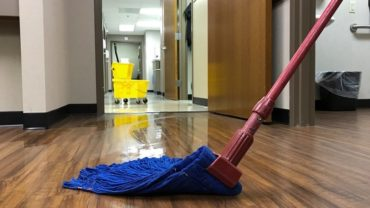 How to Choose an Industrial Mops